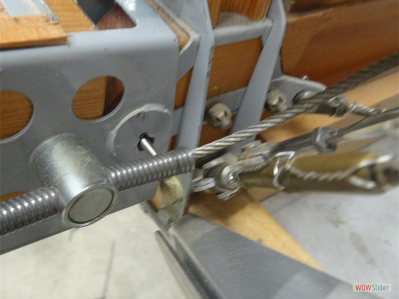Starboard lower Wing Pin