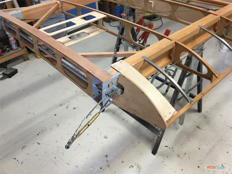 special lower wing inboard rib