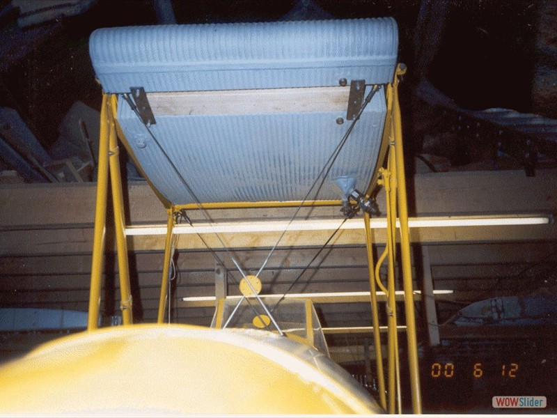 Fuel tank and centre section